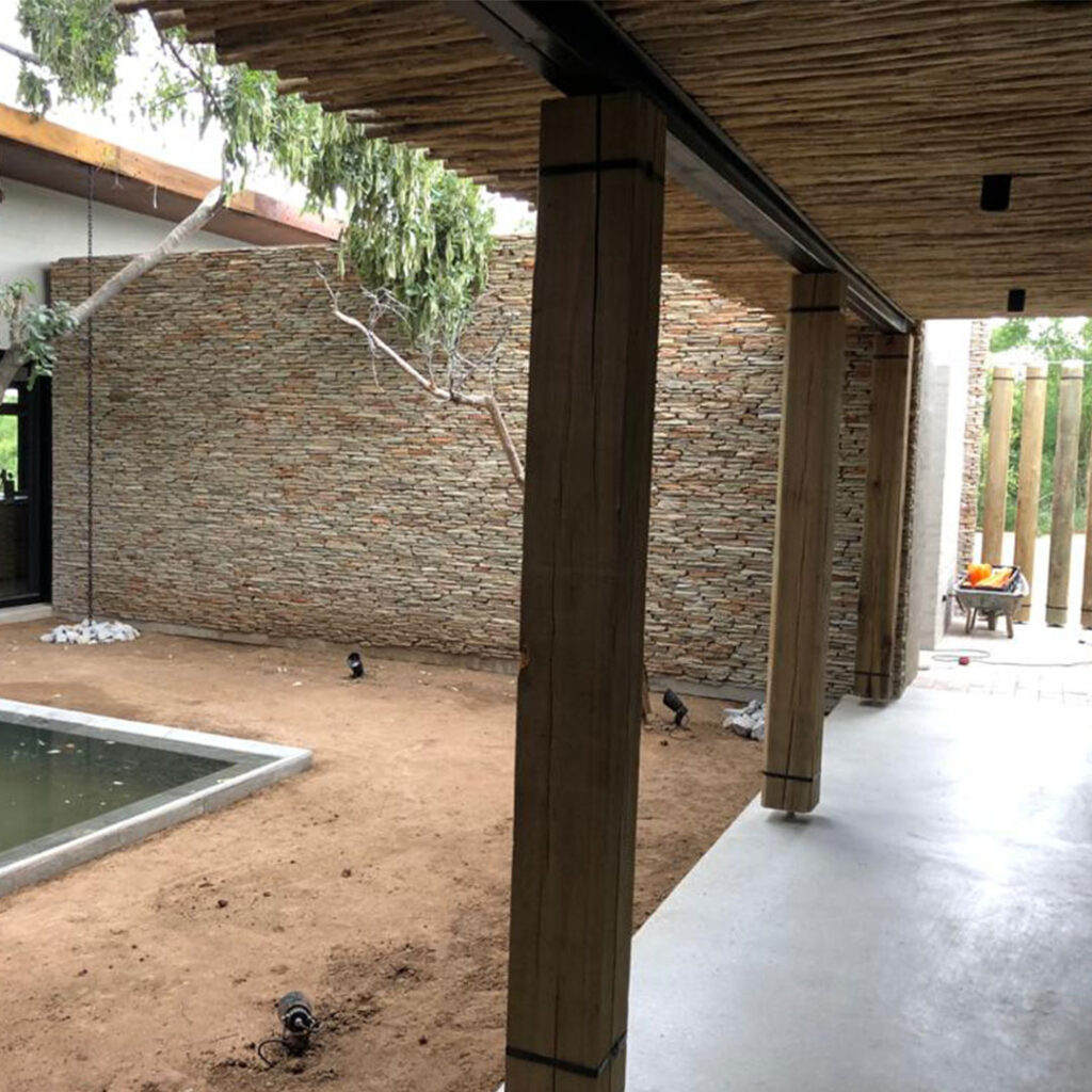 Patio-Pillars-with-Square-cut-poles-h2